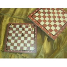 Chess board with Tanjore work